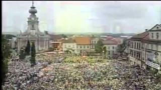 Jan Paweł II - Papież (pieśń o Wadowicach).flv