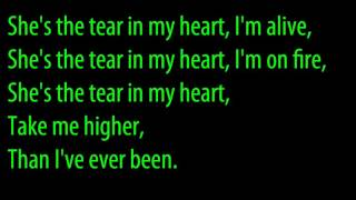 Twenty One Pilots - Tear In My Heart Lyrics Video