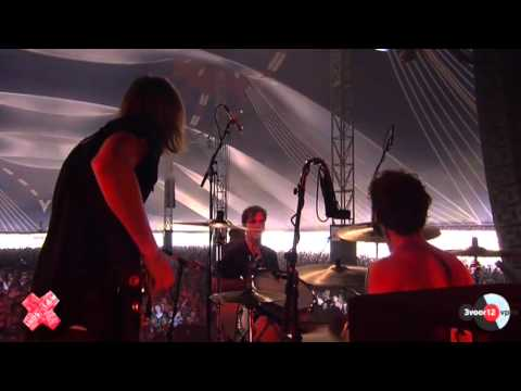 go-back-to-the-zoo-electric-lowlands-2012-lowlands