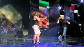 HD Enrique Iglesias feat  Laura Jane   Takin  Back My Love live   Los Premios Telehit Nov 2009