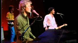 The Midnight Special 1980 - 02 - Hall & Oates - Kiss on My List