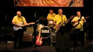 The Shadows Tribute Band Atlantis play CHATTANOOGA CHOO CHOO