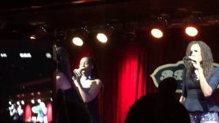 "En Vogue performs "" Don't Let Go "" at BB Kings"