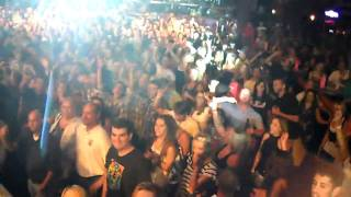 CHRIS CAGLE CROWD VIDEO WHILE SINGING WHAT KINDA GONE WILD BILLS 2010!!.