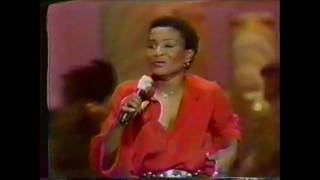 """Solid Gold (Season 1 / 1981) Viola Wills - """"If You Could Read My Mind"""""""