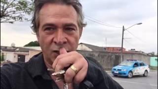 Ator Nelson Freitas agradece aos policiais militares que recuperaram sua Motocicleta.