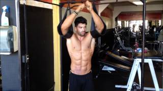 Sergi Constance ABS workout.