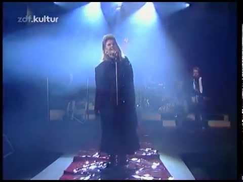 alison-moyet-weak-in-the-presence-of-beauty-1987-live-theeightiesfanatic