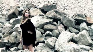 Aynur Aydın Making Of Photoshoot with Peter Knutson-_kU