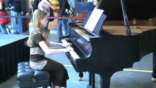 Anna M playing piano at MOA Mall of America.mpg