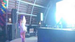 Black Coffee feat. Cara 'I Will Find You' LIVE @H2O Africa 2014