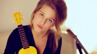Selah Sue - Alone (acoustic) // Småll Sessions
