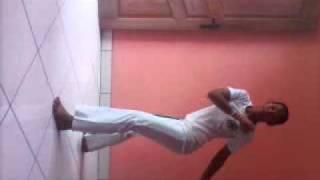 Capoeirista karol apelido de batizado=tigre branco  aluna do mestre oliveira 1