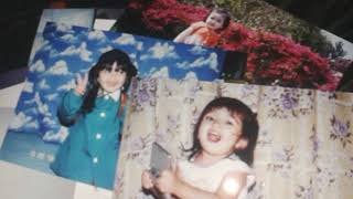 Mostrando fotos de quando era criança