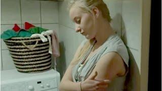 Dla Melanii i Kasi mieszkanie pod jednym dachem okazało się nie lada wyzwaniem [19+]