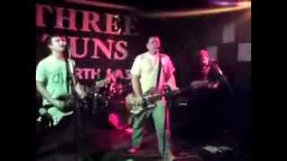 Blitzkrieg Bop (Ramones cover) and Grand Old Duke of York - The Stumps Live - Three Tuns, Gateshead.