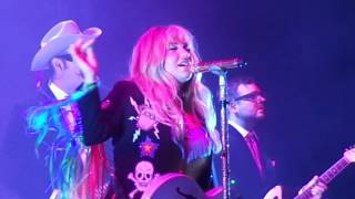 "Kesha ""Your Love Is My Drug"" live at Harrah's Atlantic City"
