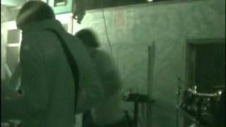 Morla - 2minutes song (standstill cover) live in ciudadela, navidad 2008-9