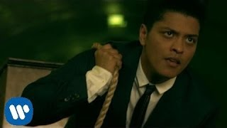 Bruno Mars - Grenade [OFFICIAL VIDEO]