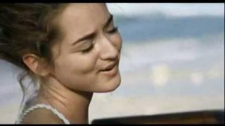 Clémence - « La vie comme elle vient » + / -  sous-titres