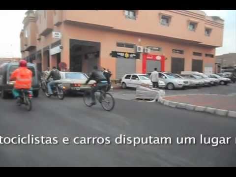 O trânsito louco de Marrakech / Marrocos
