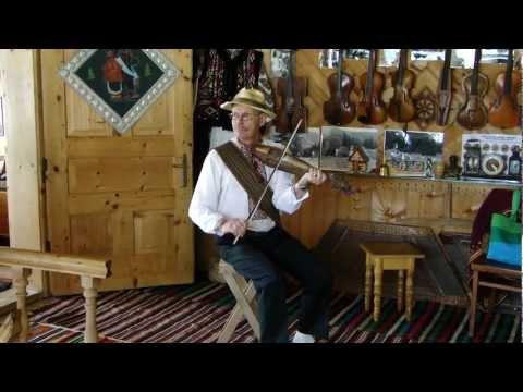 Roman Kumlyk from Ukraine Plays Tiny Violin