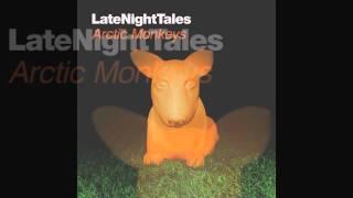 Modeselektor - The Dark Side Of The Sun (Feat Puppetmastaz) (Arctic Monkeys LateNightTales)