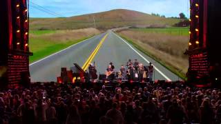 Willie Nelson - On the Road Again (Live at Farm Aid 2014)