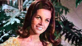 Claudine Longet -  L'amour Est Bleu (Love Is Blue)
