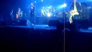 Kings of Leon : Pistol of Fire LIVE