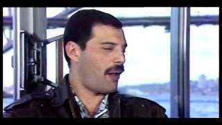 Freddie Mercury Vs. Sid Vicious(Sex Pistols) 1977