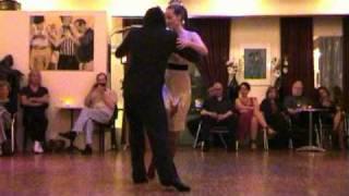 QUE FALTA QUE ME HACES - tango