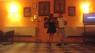 Learning to Dance Cuban Salsa in Havana    Pelearnos un Ratico by Divan (Salsa Version)