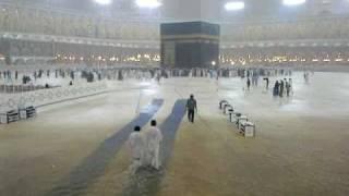 Rain in Masjid ul Haram (Makkah) on 30-12-2010 width=