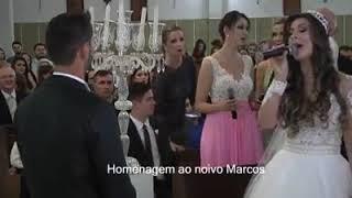 Homenagem da família da noiva cantando aleluia