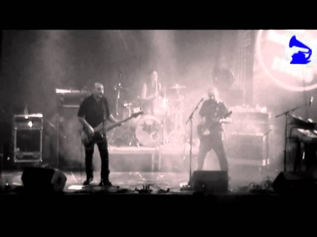 Vídeo de un concierto en el Hangar.