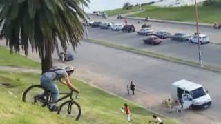 Gran axidente con bicicleta el no termina bien...