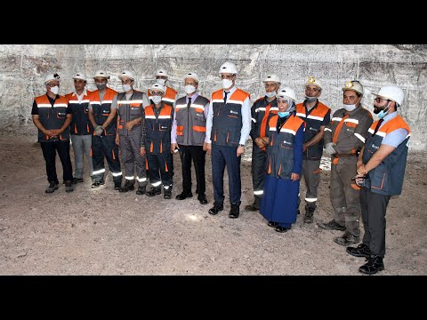 Video : Aziz Rabbah effectue une visite à la mine de sel de Mohammedia
