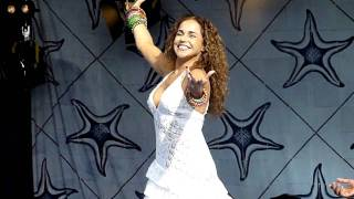 """Daniela Mercury - """"O que que a baiana tem? """" live  na Festa radio alfa 2010"""