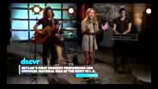 Skylar Stecker - That's Love - Vevo dscvr (Live)