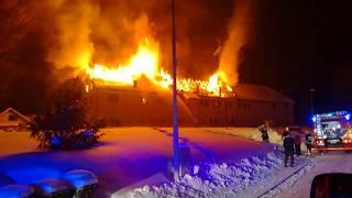 Prihod PGD Podgorci na požar večstanovanjske stavbe v Veliko Nedeljo.