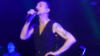 Depeche Mode - Poison Heart - Amsterdam 7.5.2017 - live - FRONT OF STAGE (HD)