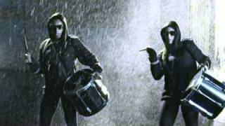 Tinchy Stryder- Let It Rain (feat. Melanie Fiona) (Official Video)