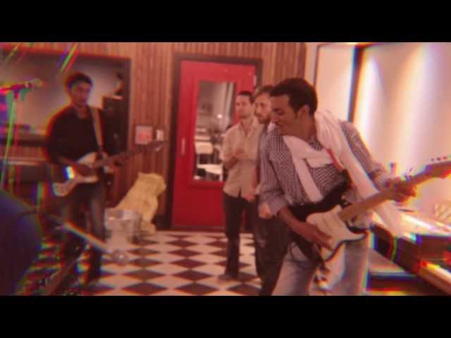 Bombino - Azamane Tiliade (Official Video)