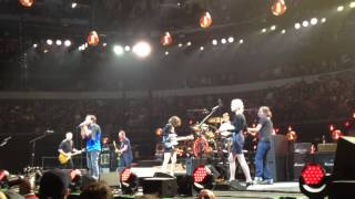"Pearl Jam with St. Vincent & Carrie Brownstein ""RITFW""(Partial) Dallas,TX 11/15/13"