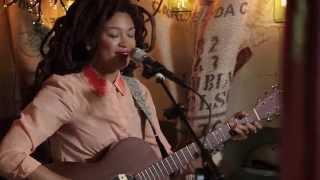 Valerie June - Raindance (Live @Pickathon 2014)