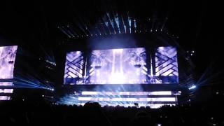 """Diamonds from Sierra Leone (Remix)"" On The Run Live Paris 12/09/14"