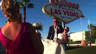 Las Vegas wedding numbers on the rocks