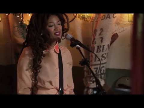 valerie-june-somebody-to-love-live-pickathon-2014-liveandbreathing