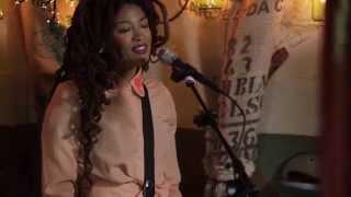 Valerie June - Somebody To Love (Live @Pickathon 2014)